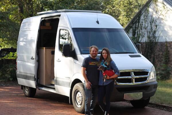 Vanlife Roadtrip couple